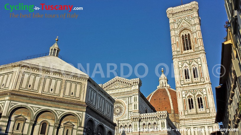 Italy, Tuscany, Florence, Duomo Cathedral, cycling bike tours