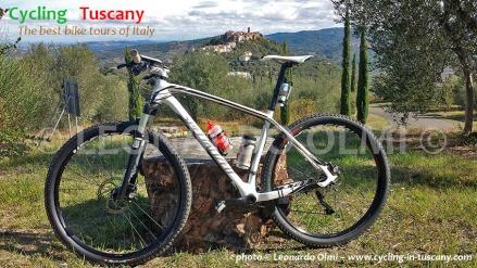 Italy, Tuscany, Amiata, Montegiovi, mountainbike tours