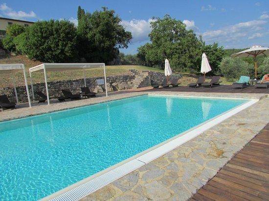 castello-la-leccia_piscina