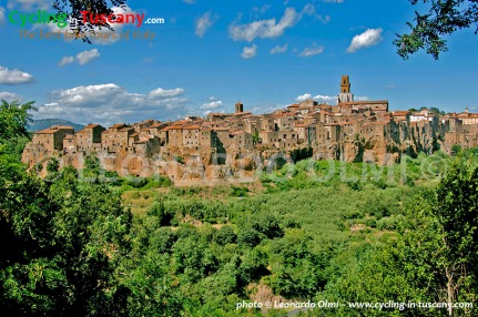 Italy, Tuscany, Pitigliano, cycling bike tours