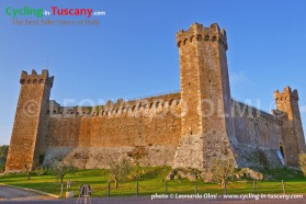 Italy, Tuscany, Montalcino, cycling bike tours