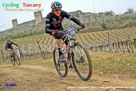 Italy, Tuscany, Monteriggioni, mountainbike cycling tours