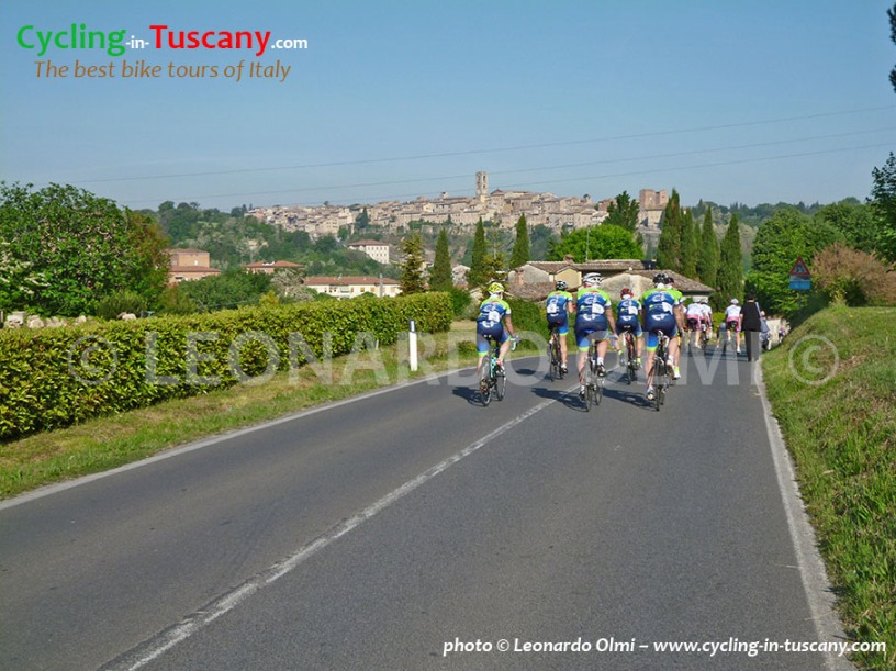 Italy, Tuscany, Colle di Val d'Elsa, cycling bike tours