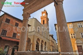 Italy, Tuscany, Pienza, cycling bike tours