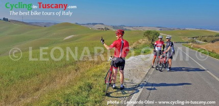 Italy, Tuscany, Val d'Orcia, cycling bike tours